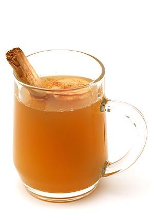 Homemade Hot Spiced Cider, findingourwaynow.com