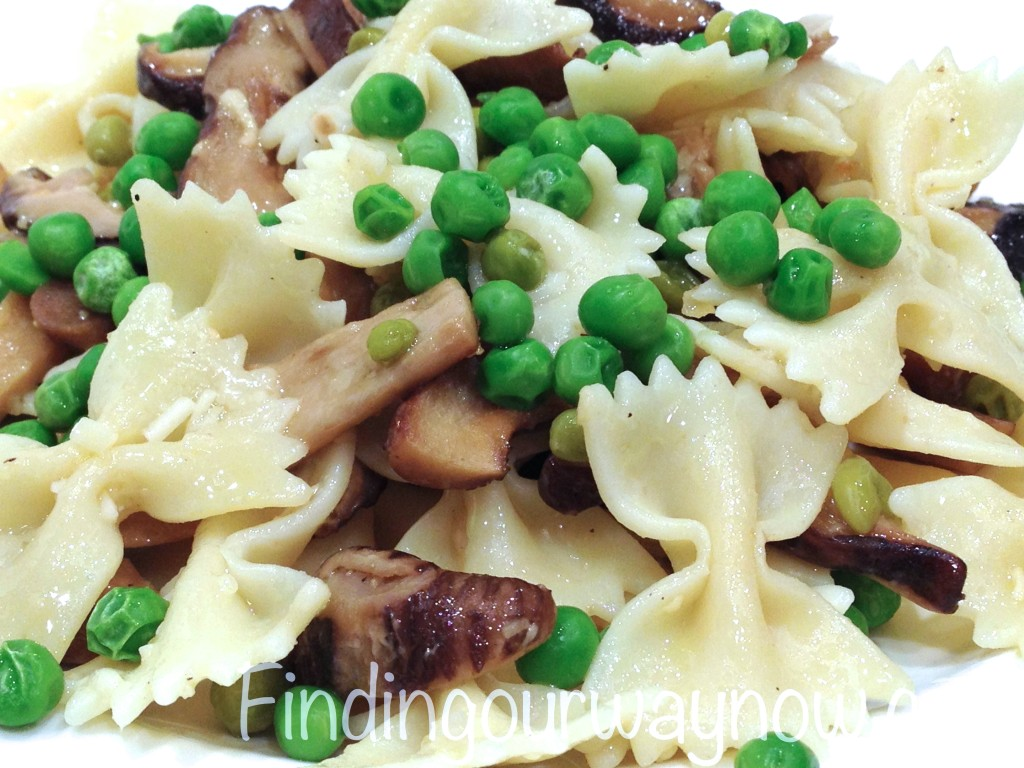 Pasta with Mushrooms and Peas, findingourwaynow.com