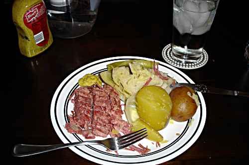 Corned Beef and Cabbage Recipe, findingourwaynow.com