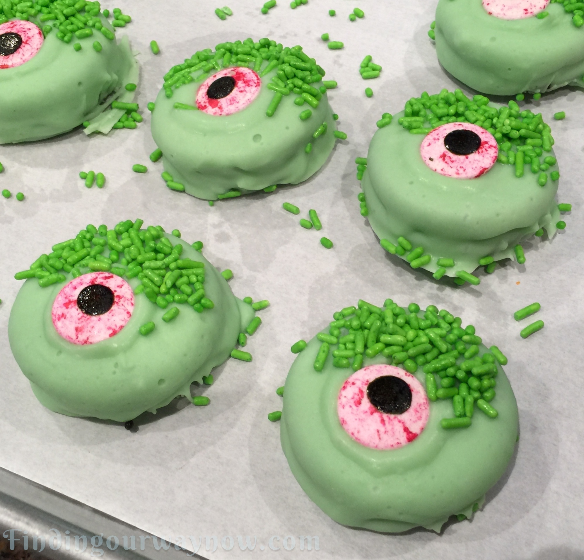 http://findingourwaynow.com/wp-content/uploads/2015/10/Quick-Halloween-Treats-Monster-Cookies.jpg