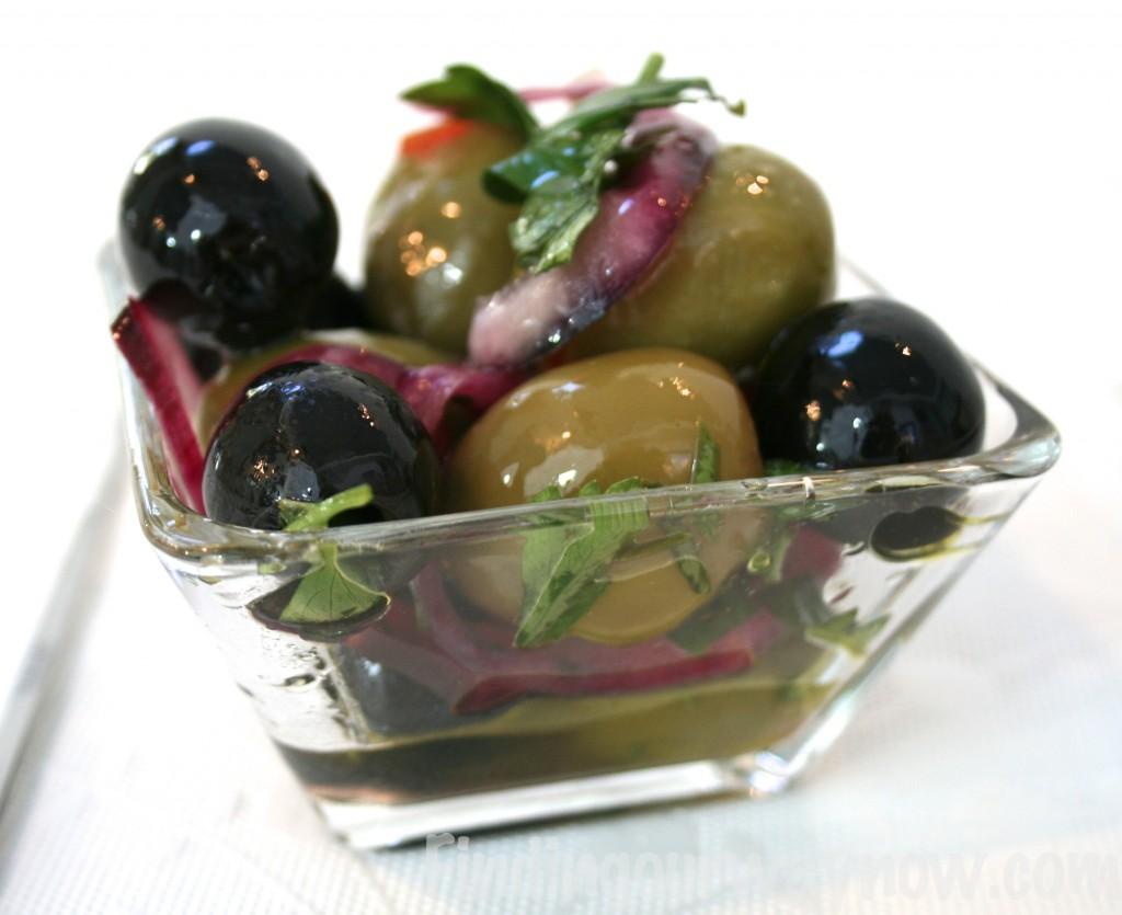 Marinated Garlic Olives, findingourwaynow.com