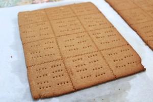Homemade Graham Crackers, findingourwaynow.com