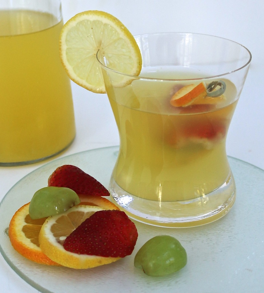 White Wine Lemon Sangria, findingourwaynow.com