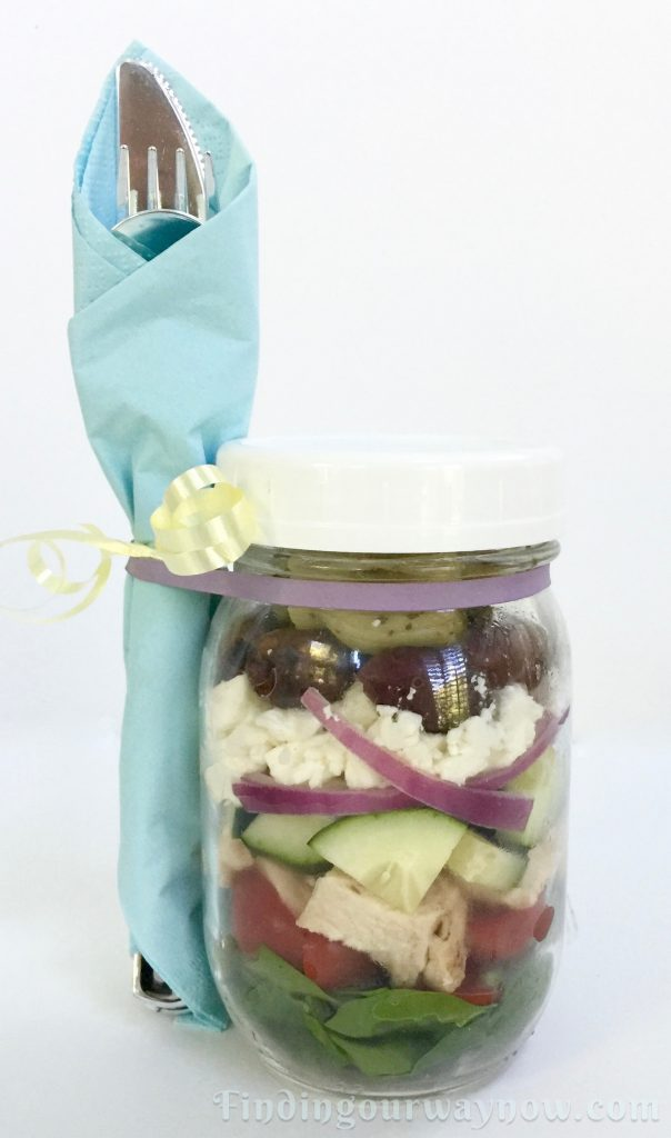 Picnic In A Few Jars, findingourwaynow.com